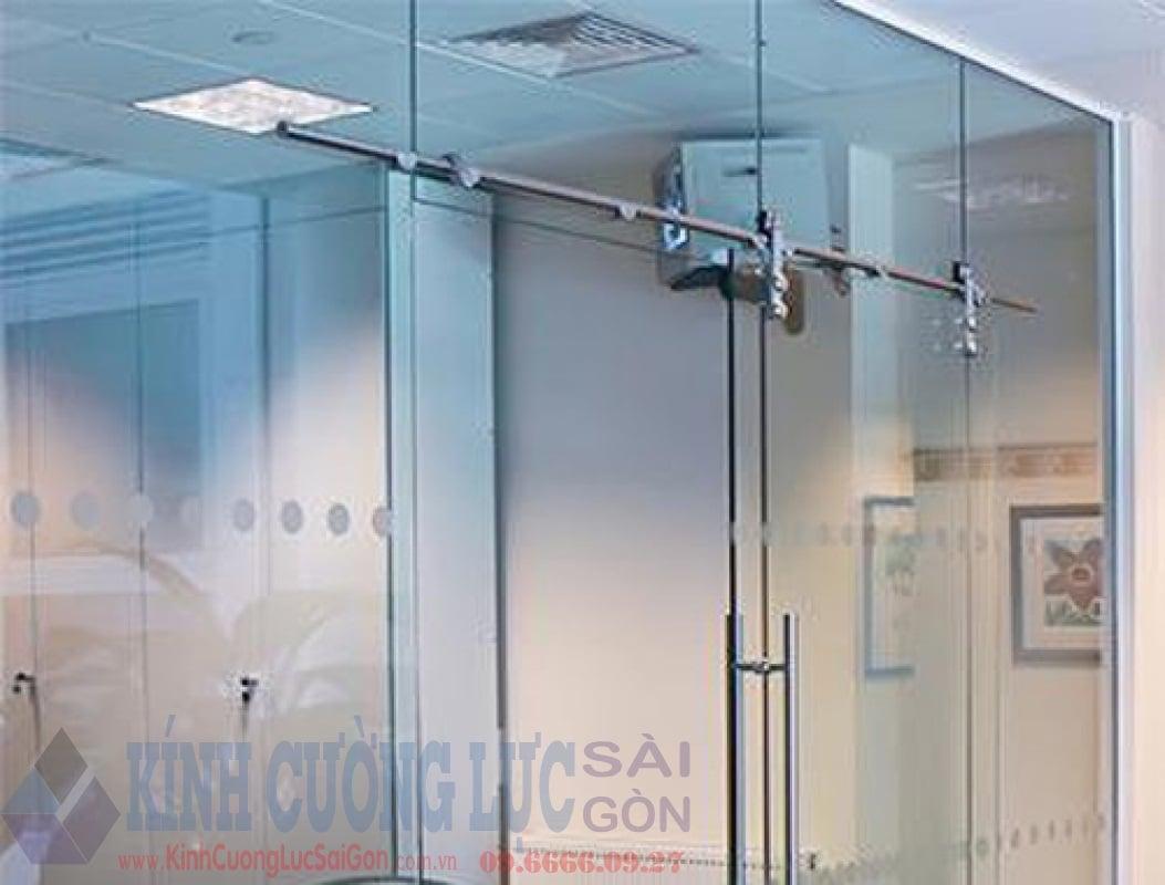 ưu điểm cửa kính cường lực