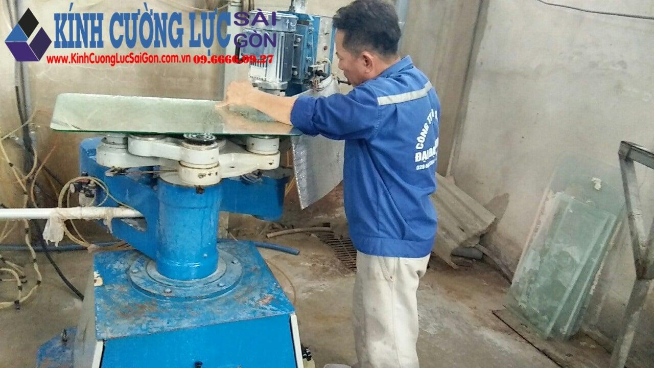 quy trình sản xuất kính cường lực