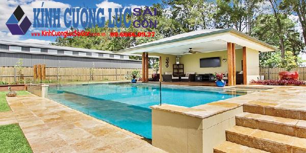 Ứng dụng kính cường lực vào xây bể bơi