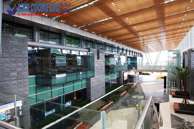 Sân bay kính