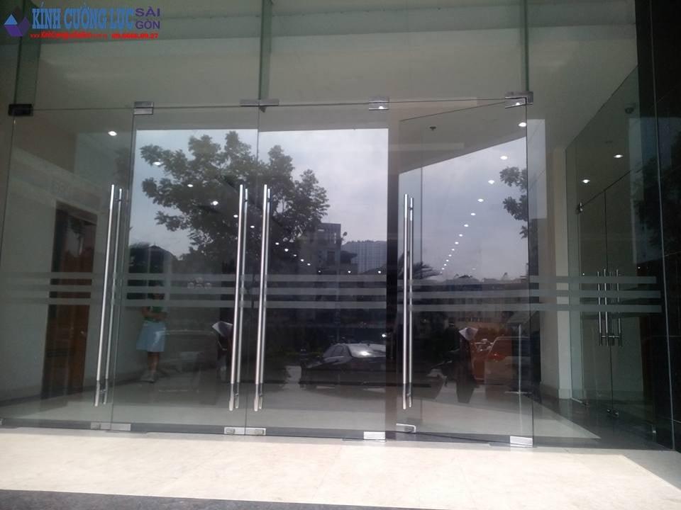 nhận sửa chữa cửa kính cường lực giá rẻ tại tphcm
