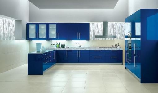 Kính màu xanh biển ốp bếp với người mệnh thủy